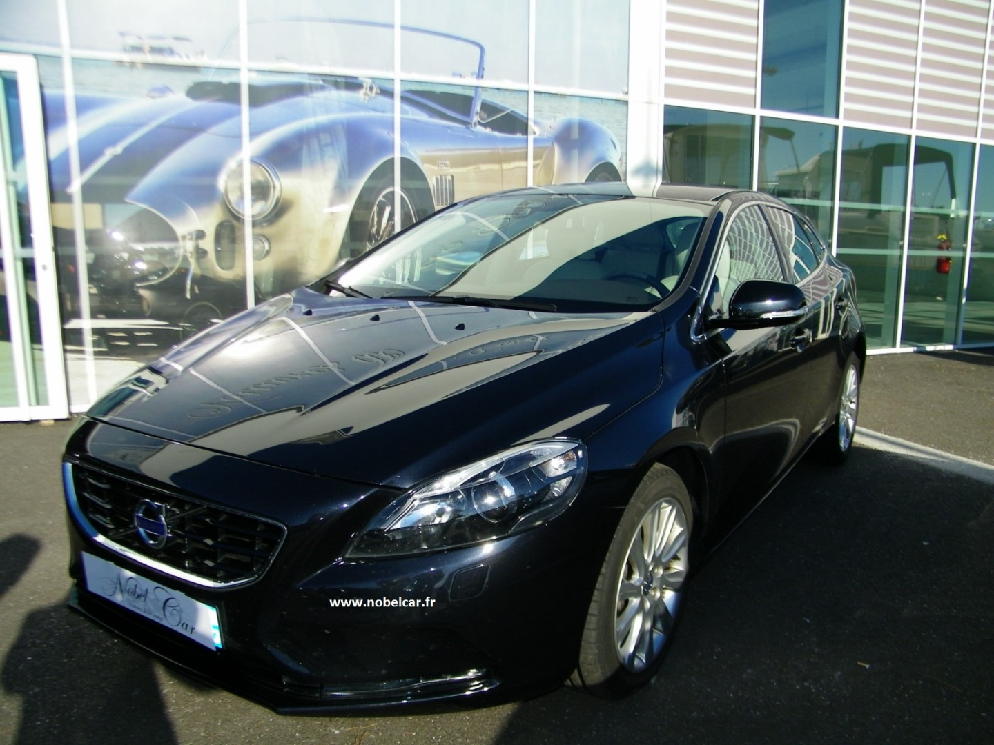 Volvo V40 D3 150ch Summum Geartronic Start and Stop d'occasion Nobel Car Arcachon 33.